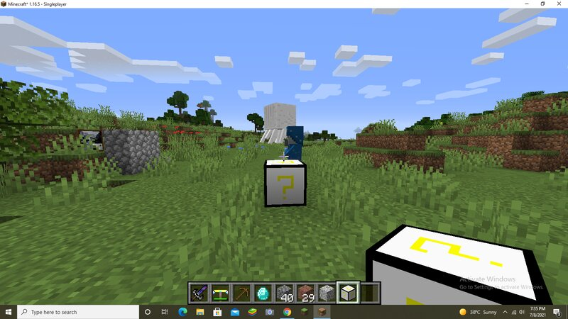 egg lucky block crafted by putting eggs to make a block in the crafting table