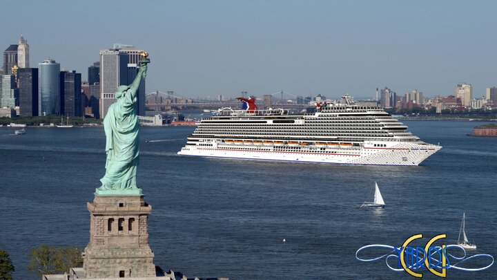 Carnival Horizon passing by the Statue of Liberty!