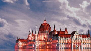 """""""Hungarian Parliament in Budapest"""" Minecraft Map & Project"""