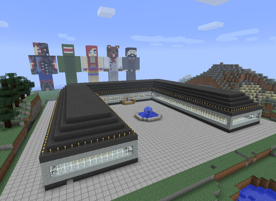 Our Spawnhouse and behind are Statues of us =) (from Tallon)