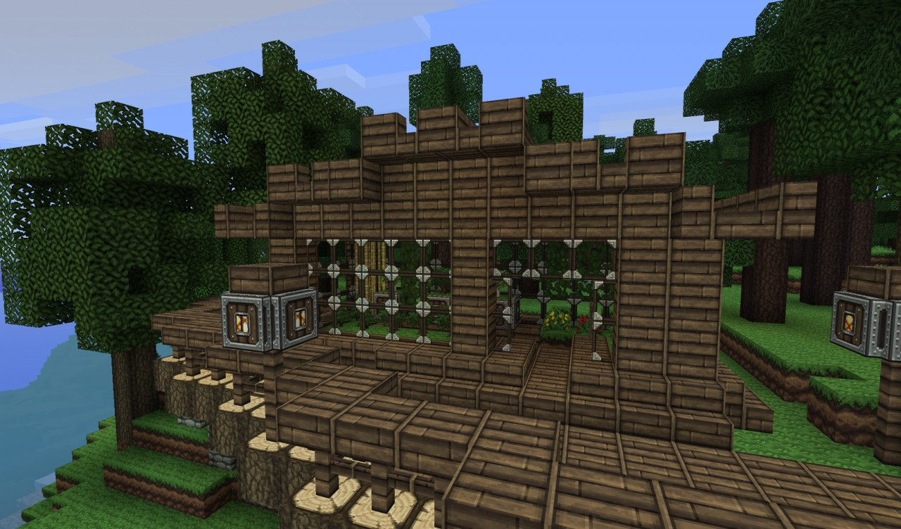 Mansion and Iron Loot Blacksmith at Spawn - Minecraft Seed HQ