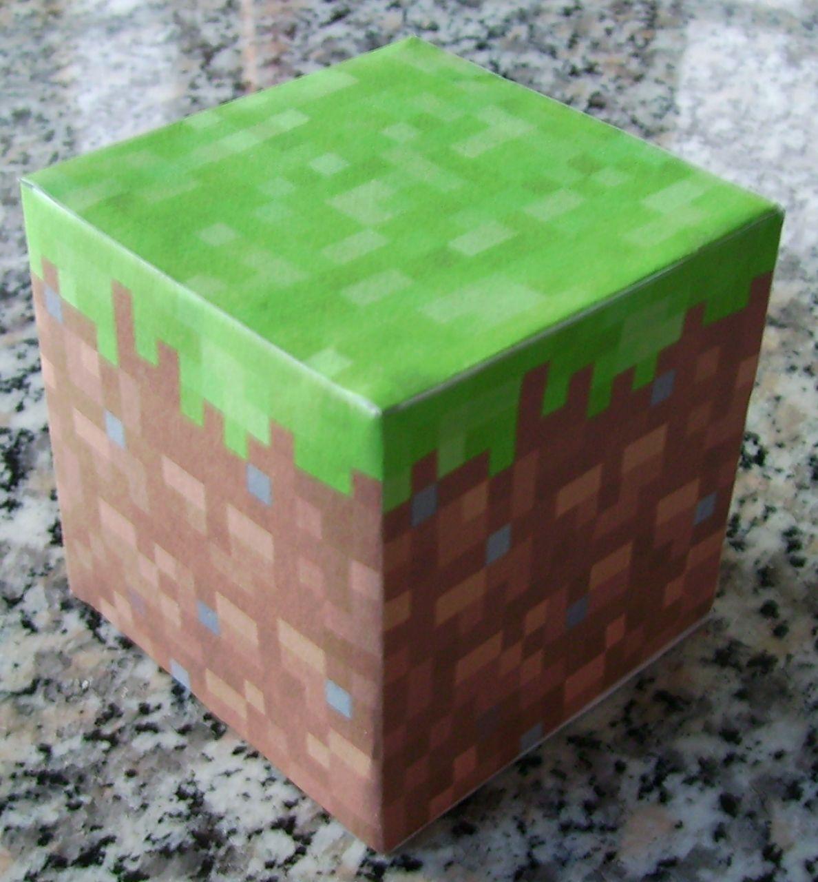 papercraft dirt block
