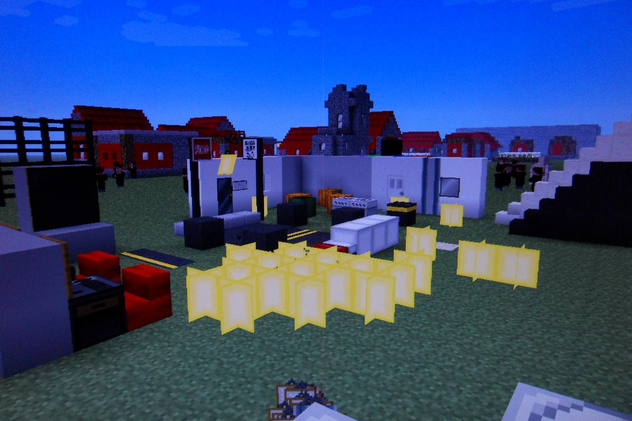 the ultimate city pack 5 000 downloads 1 3 2 minecraft texture pack. Black Bedroom Furniture Sets. Home Design Ideas