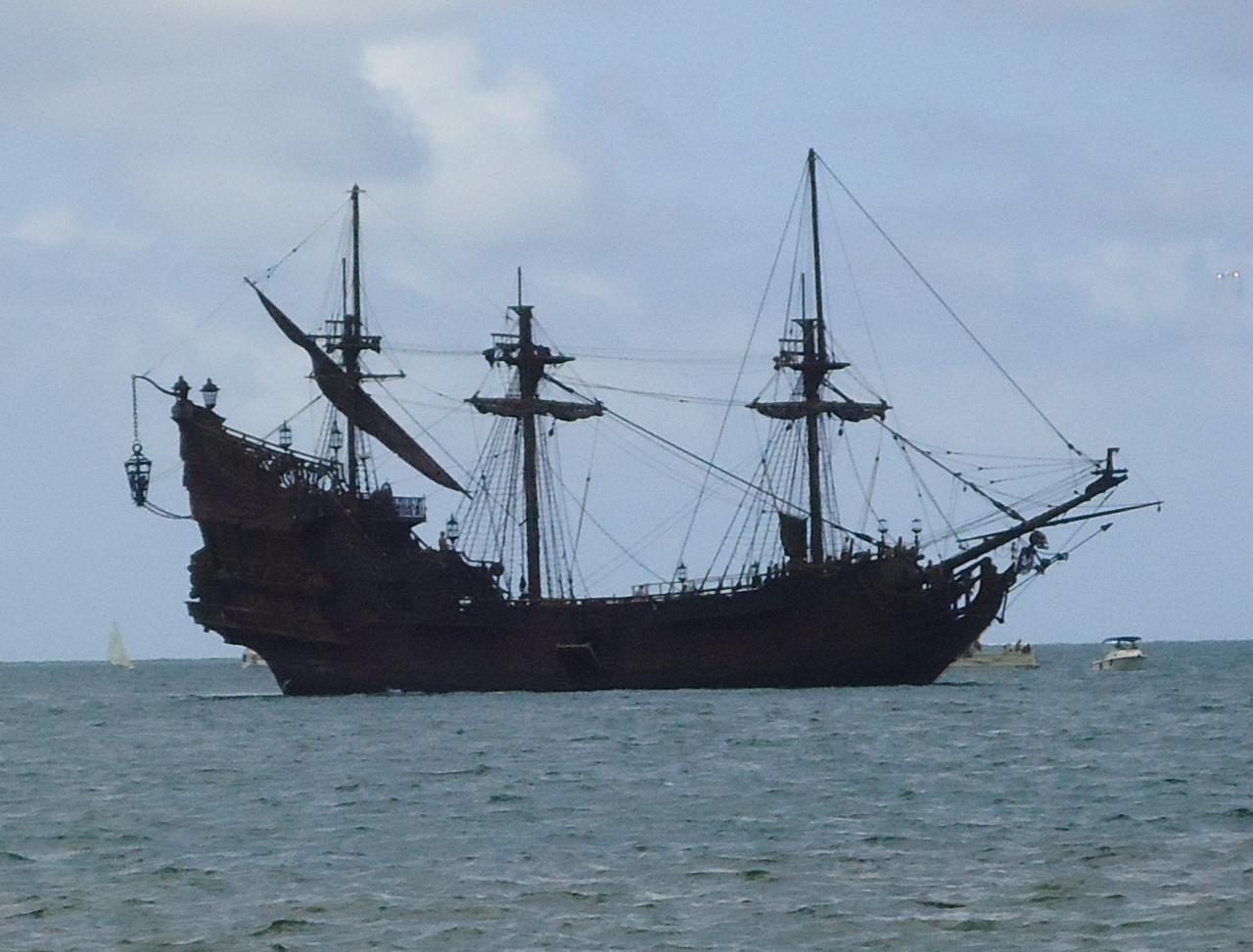 pirates of the caribbean ship black pearl wallpaper