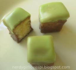 Bite-sized Minecraft Cakes (+ my cooking blog!)