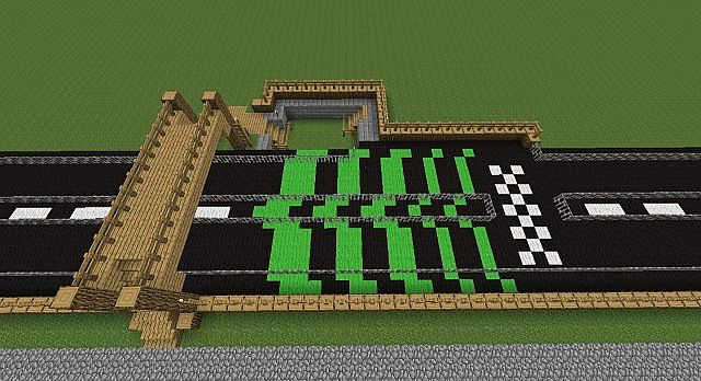 Horses are kept in the pit at the top of the image. Players can access the starting area without interrupting any race currently being run. We ran an entrance path over the track to save space as our minigame world is not so large and every square counts.