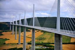 [Scale 1:4] Viaduc de Millau (France) Minecraft Map & Project