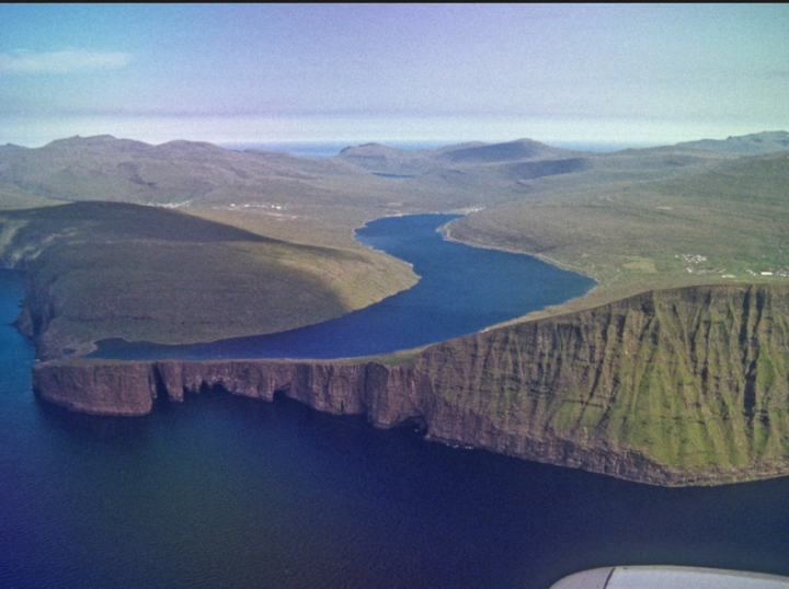 Lake Sorvagsvatn