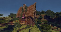 Pretty Medieval House on Craftolution Minecraft Map & Project