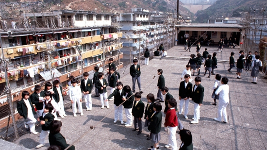 The flat roof was reserved for educational purposes. Rooftop schools were very common. Photo from the Hong Kong Housing Authority